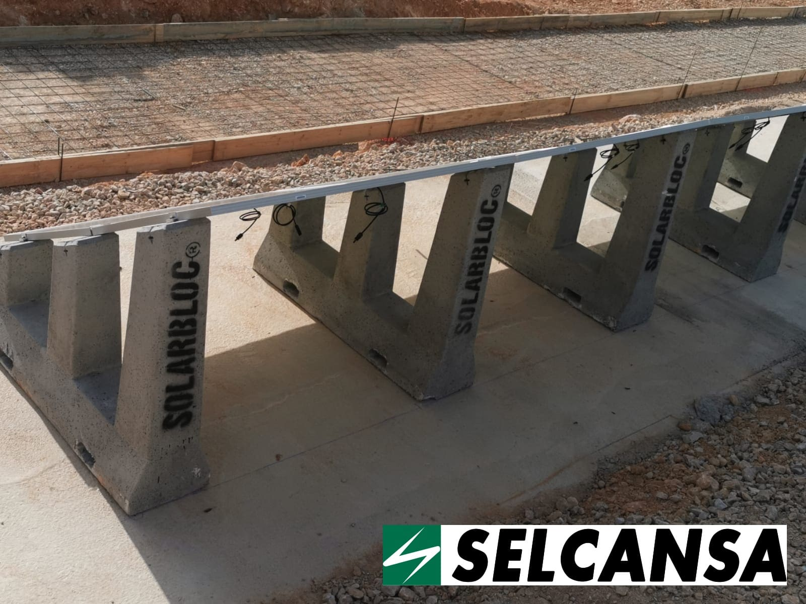 estructura soporte paneles solares SOLARBLOC SELCANSA